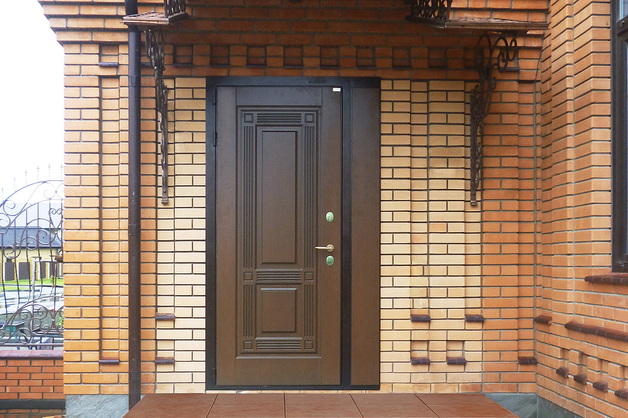 Утепленные входные двери с терморазрывом в частном доме